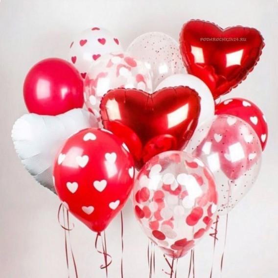"""Набор воздушных шаров """"В красно-белых тонах"""" для подарка девушке"""