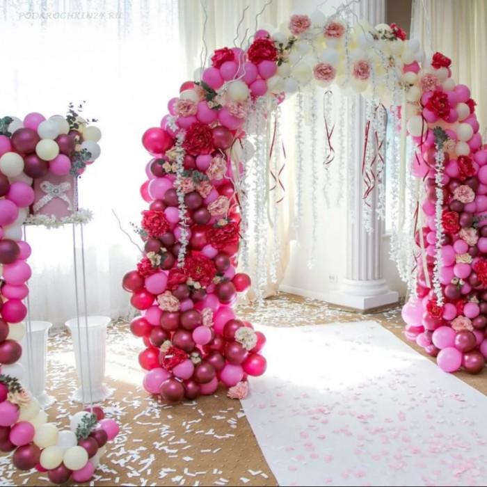 Арка с цветами и доп. декором